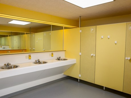 Douches en toiletten Vakantiepark Molenvelden